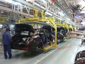 Geely_assembly_line_in_Beilun,_Ningbo